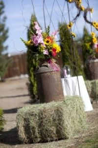 сено в декоре свадьбы