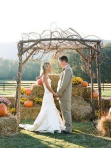 сено для украшения свадьбы