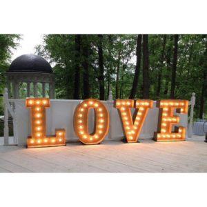световые буквы love в аренду