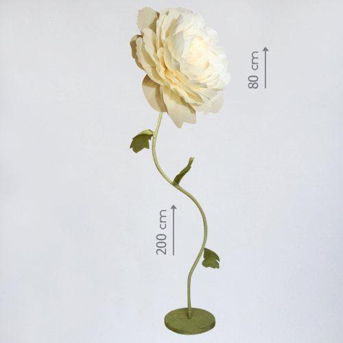 Гигантский бумажный цветок чайной розы