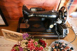 Ретро швейная машинка